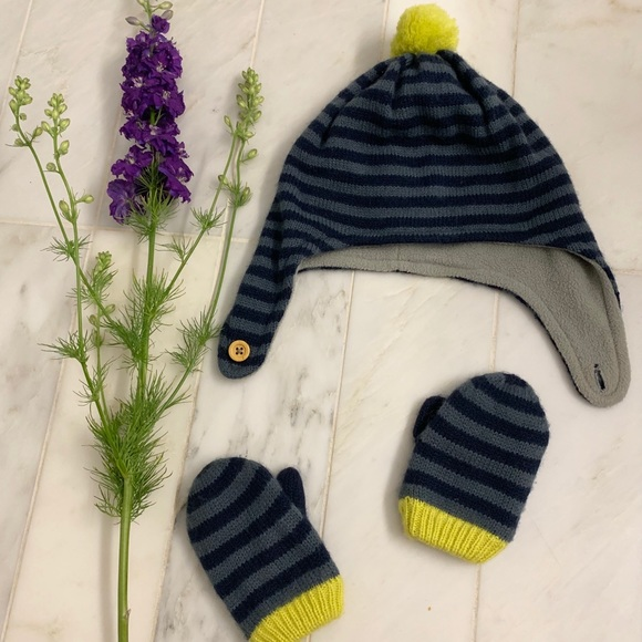 Boden Other - Baby Boden adorable hat and mittens set — 12-24m